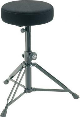 K&M trommestol med stofsæde, sort