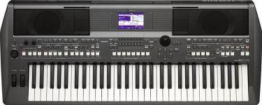 Yamaha PSR-S670 DIGITAL KEYBOARD (Sort)