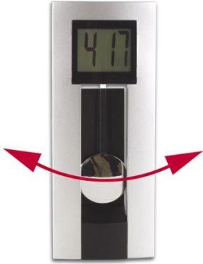 UR med pendul og dato display